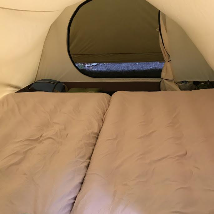 画像: スノーピークのテント「ヴォールト」にダブルサイズがぴったり2枚入ります 筆者撮影