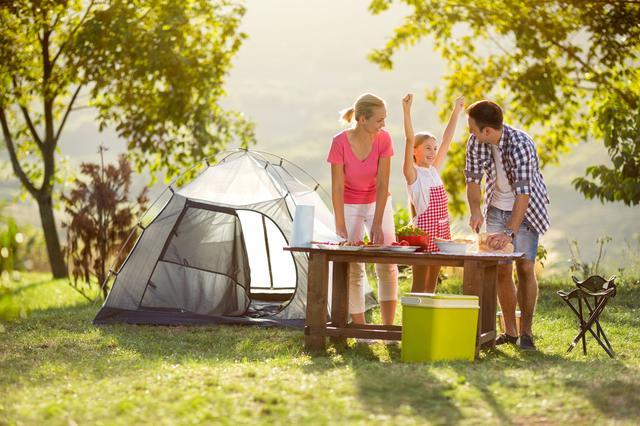 画像: 家族でキャンプの定番メニューを楽しもう