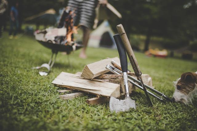 画像: 経験者が必要な道具と材料を伝授! 焚き火台や薪で、火起こしがスムーズに