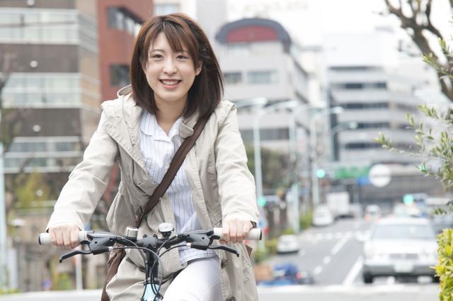 画像: ミニベロはタイヤが20センチ以下の自転車 チェレステカラーが魅力的なビアンキが女性には人気