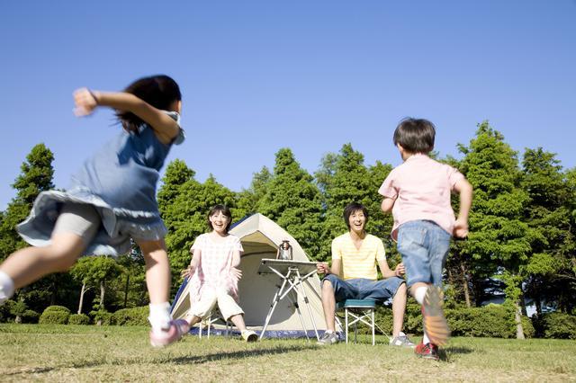 画像: テント設営・火の扱いなどは子供にとって貴重な体験! キャンプ・アウトドアならではのお手伝いを