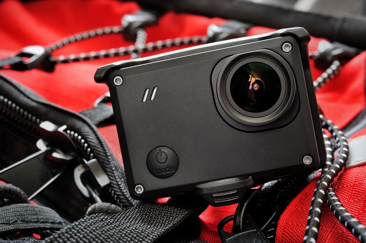 画像: アクションカメラ(ウェアラブルカメラ)とは? 軽量なのに耐水性・耐久性に優れた小型ビデオカメラ