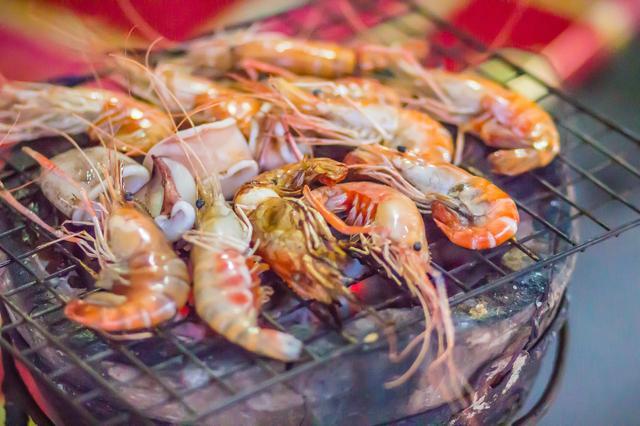 画像: 肉だけで満足しないでください いつもと違うバーベキューを楽しむなら海鮮系のアウトドア飯を!