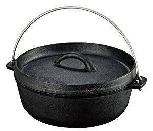 画像: Amazon   ダッチオーブン 鉄製 蓋付き 取っ手付き 直径24.5㎝ 内寸19㎝ 容量1.8L バーベキュー キャンプ アウトドア コンパクトサイズ   DUTCH OVEN   ダッチオーブン・スキレット