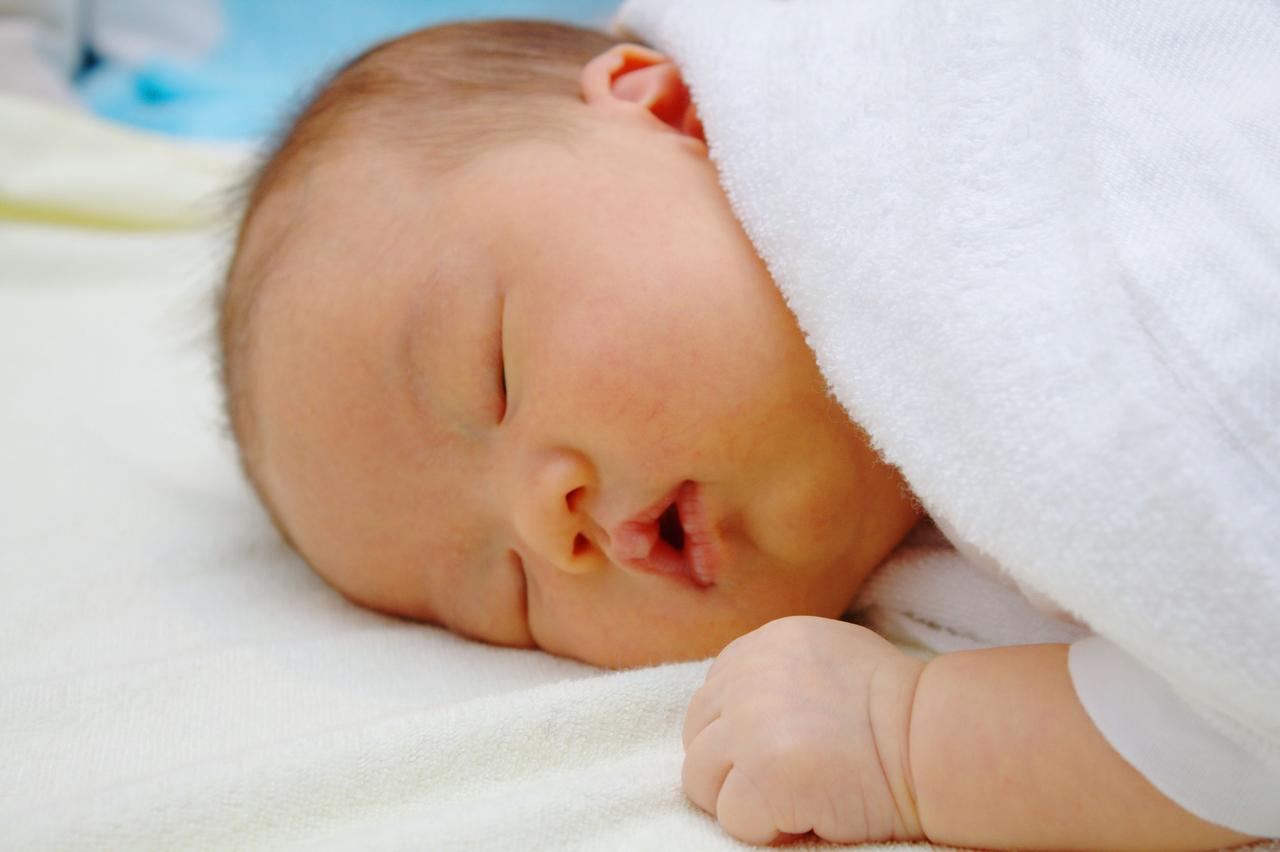 画像: 家だから大丈夫!環境の変化に敏感な赤ちゃんの夜泣きも防げる