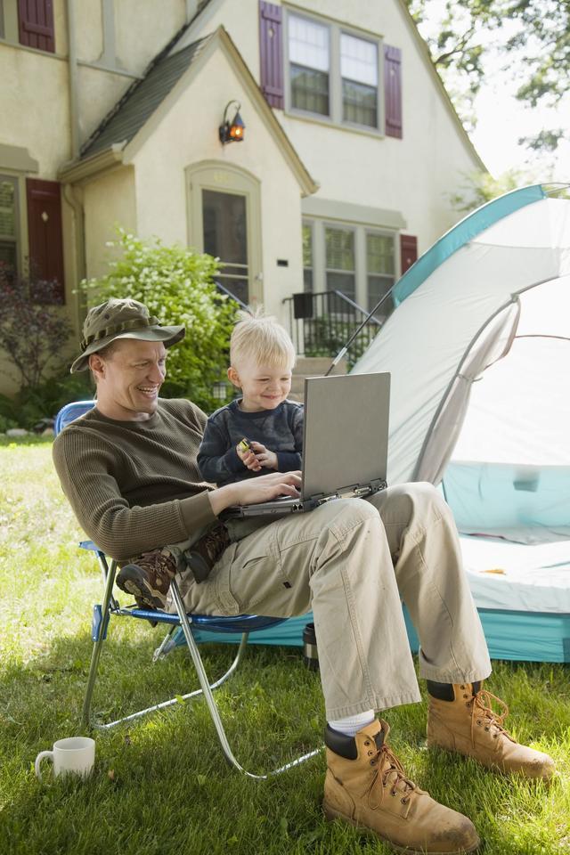 画像1: 自宅の庭やベランダにテントを張ってキャンプの雰囲気を演出!