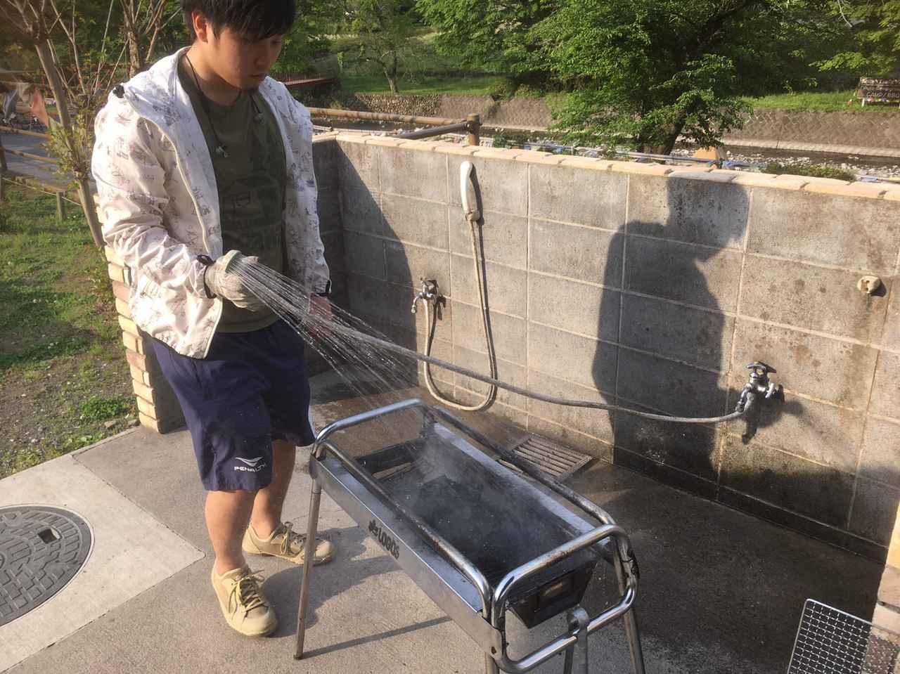 画像: 筆者撮影 ※BBQ台もジェットシャワーで洗えばスッキリ