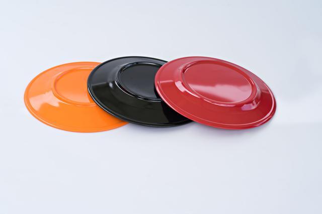画像: 使用した食器の片付けを楽にする工夫は、あらかじめラップで巻いておくこと