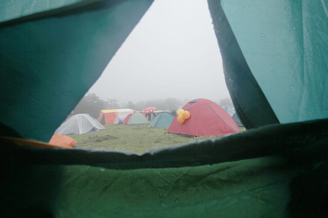 画像: アウトドアでインドア!? 雨の日こそキャンプを楽しもう! - ハピキャン(HAPPY CAMPER)