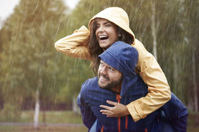 画像: 防水スプレーで対策すれば、雨キャンプも怖くない!