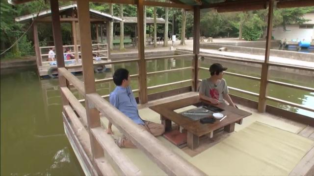 画像: アウトドア・ベース 犬山キャンプ場 水上デッキ デルサタ2019年7月20日放送動画より