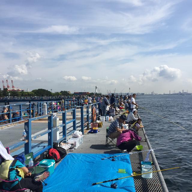 画像: 【マナー①】撒き餌で釣り場が汚れたら、水で汚れを落とすべし! ウォーターバッグが便利でおすすめ