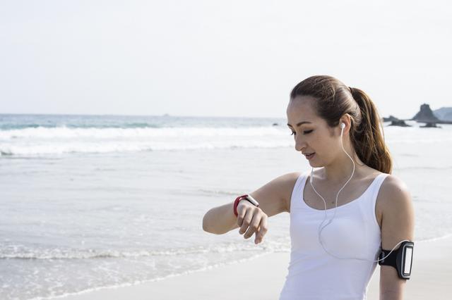 画像: アウトドアに必須の強度、機能性を兼ね備えたスントの腕時計 アクティビティの相棒にぜひ!