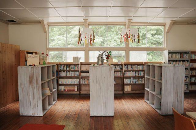 画像: 編集部撮影・おしゃれな図書室だなあ