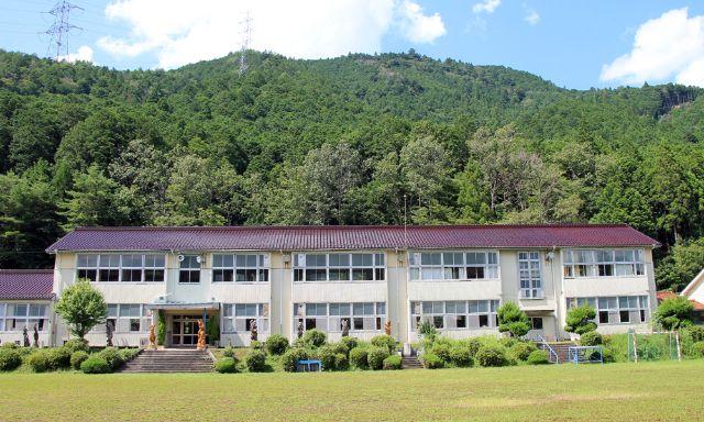 画像: のき山学校の外観 tehohe.com
