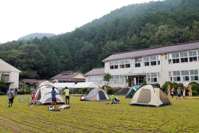 画像: 過去のキャンプイベントの様子 tehohe.com