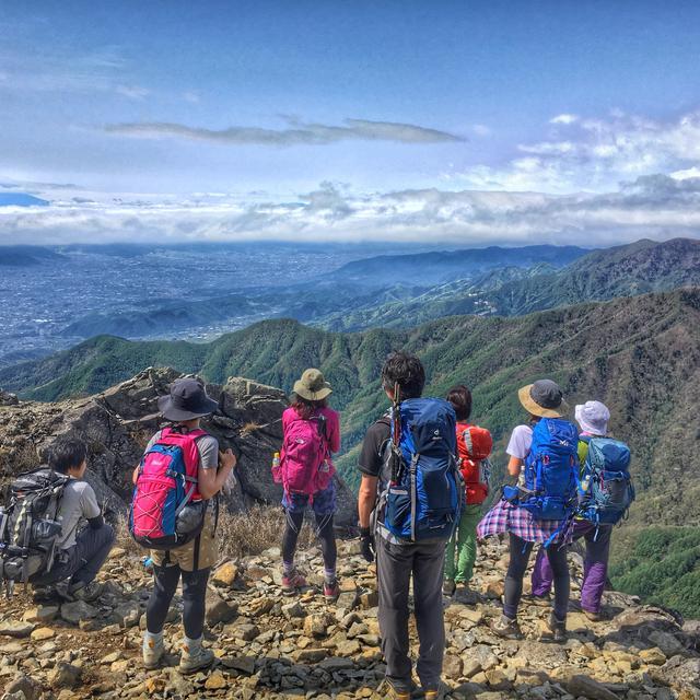画像: スポーツドリンクや携行食で体調管理・栄養管理! 登山初心者は水分・塩分・糖分のバランスが大事