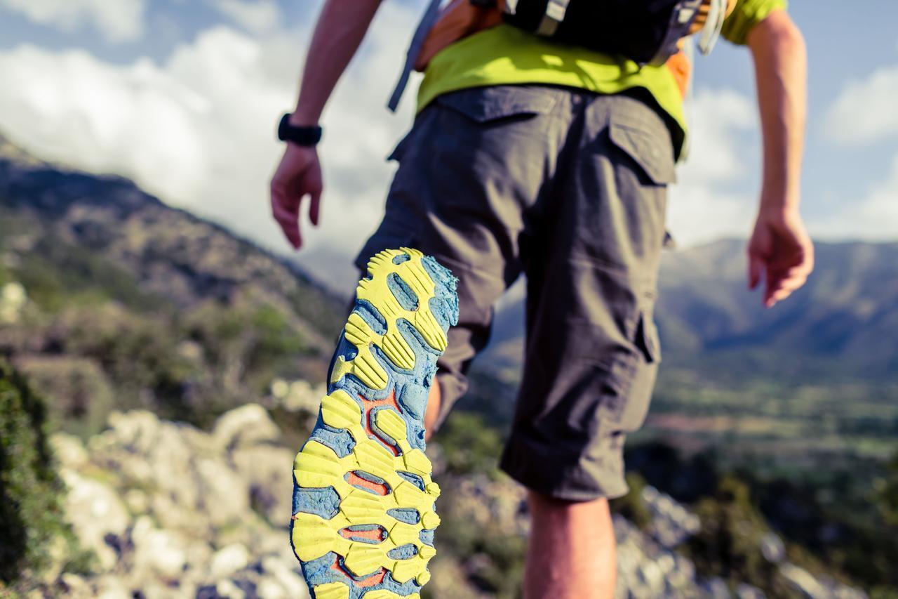 画像: ニューバランスのシューズは機能・デザインともに○ 登山・トレッキング以外でも活躍しおすすめ