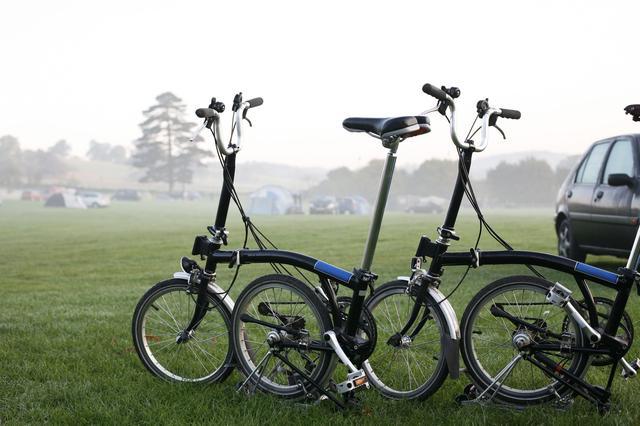 画像: 折りたたみ自転車とミニベロの違いは?