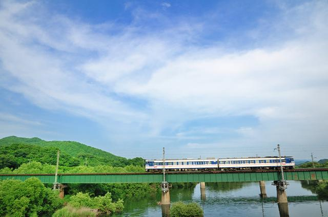 画像: 村上市を流れる三面川の風景