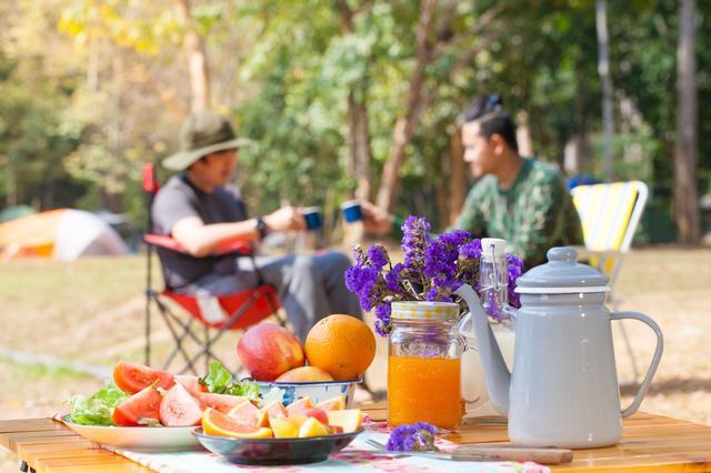 画像: 簡単で美味しいフレッシュジュース! 自分の好きな野菜や果物を使えば、キャンプがさらに楽しくなる!