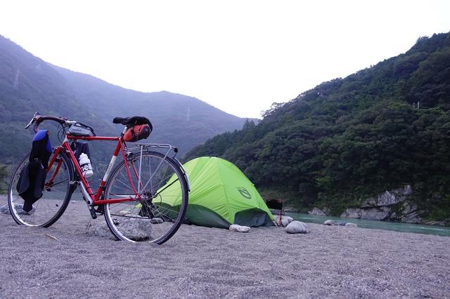 画像: 筆者撮影・川原のフリーサイトが快適な黒瀬キャンプ場に宿泊。