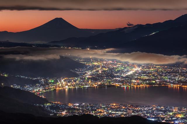 画像: 高ボッチ高原から望む富士山と諏訪湖の絶景