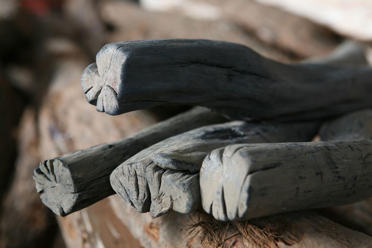 画像: ※木炭イメージ写真