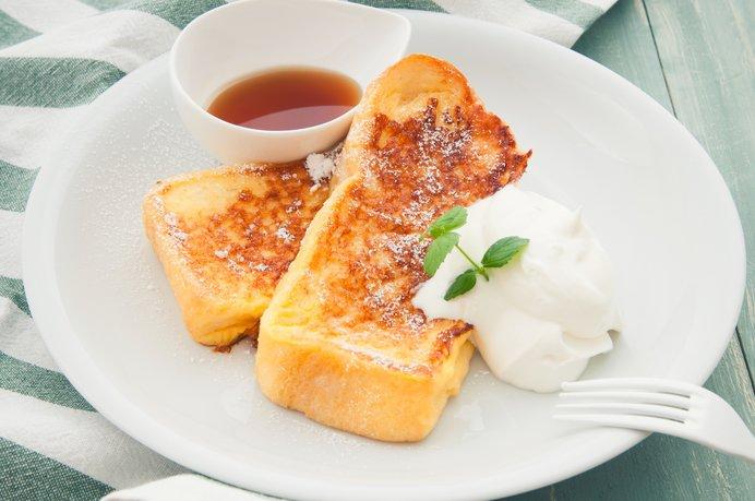 画像: みんな大好き!フレンチトースト。この美味しそうな焼き色を見るとしあわせになりますね