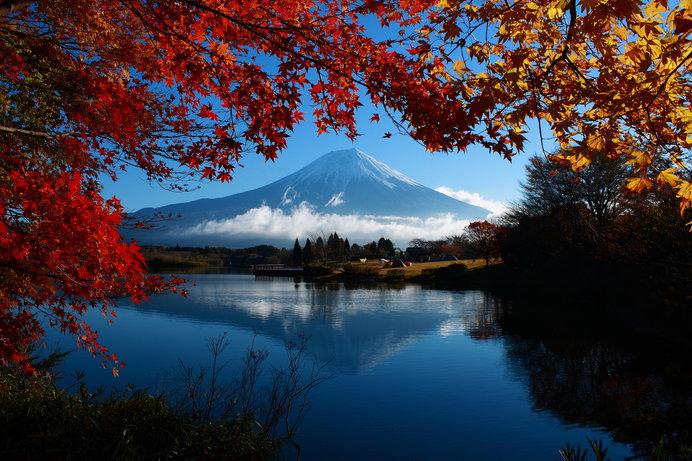 画像: 田貫湖の真東には富士山の雄姿、湖面に映る富士山もぜひカメラに収めたい