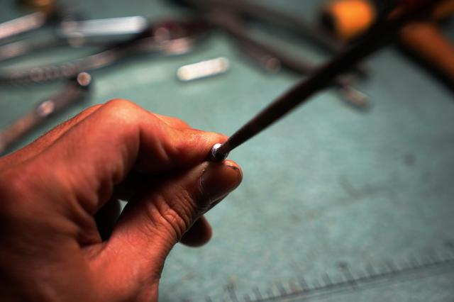 画像: 筆者撮影・切断面はヤスリで仕上げてやりましょう。