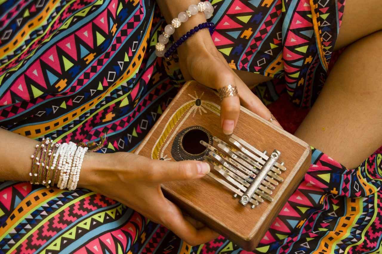 画像: カリンバはアフリカの民族楽器