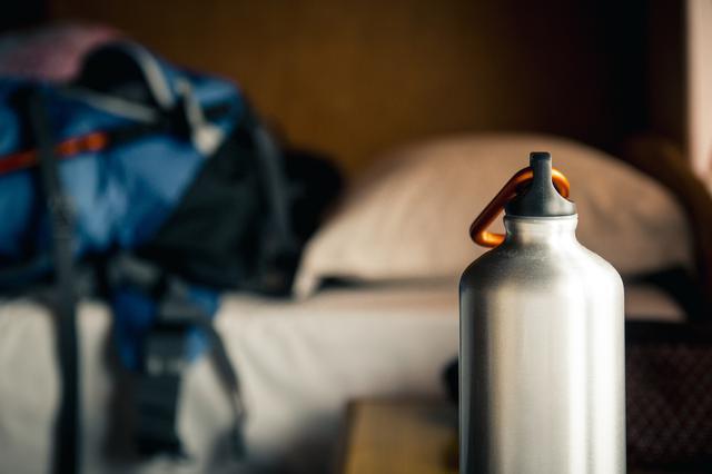画像: ③水筒 体力を消耗しやすい登山の必需品 ペットボトルより保温・保冷できるものだと便利