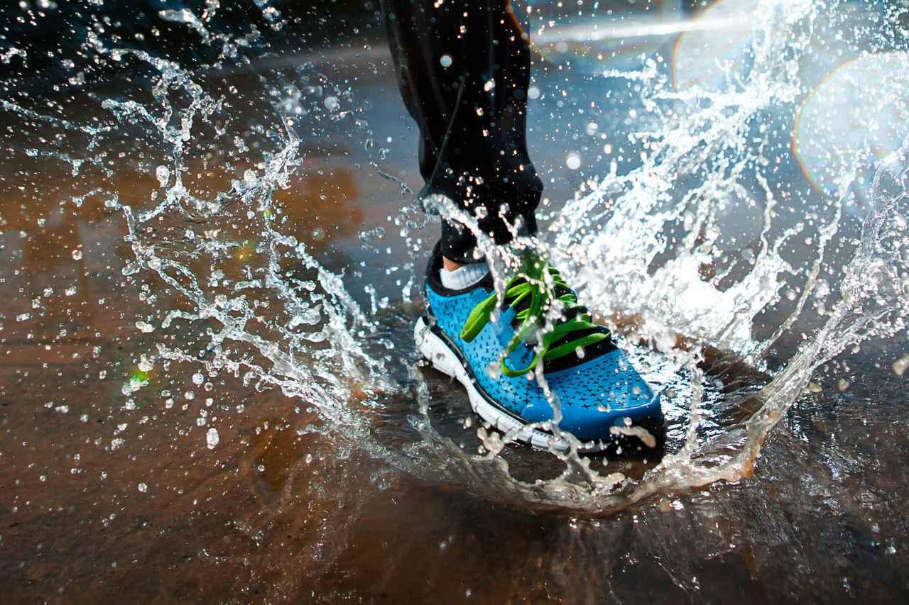 画像: 雨でも濡れない防水シューズ3選 雨キャンプ・アウトドアに必須! - ハピキャン(HAPPY CAMPER)