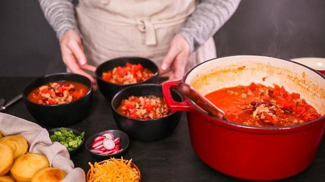 画像: 家庭でもできちゃうダッチオーブン料理! おすすめ商品&簡単レシピ3選 - ハピキャン(HAPPY CAMPER)