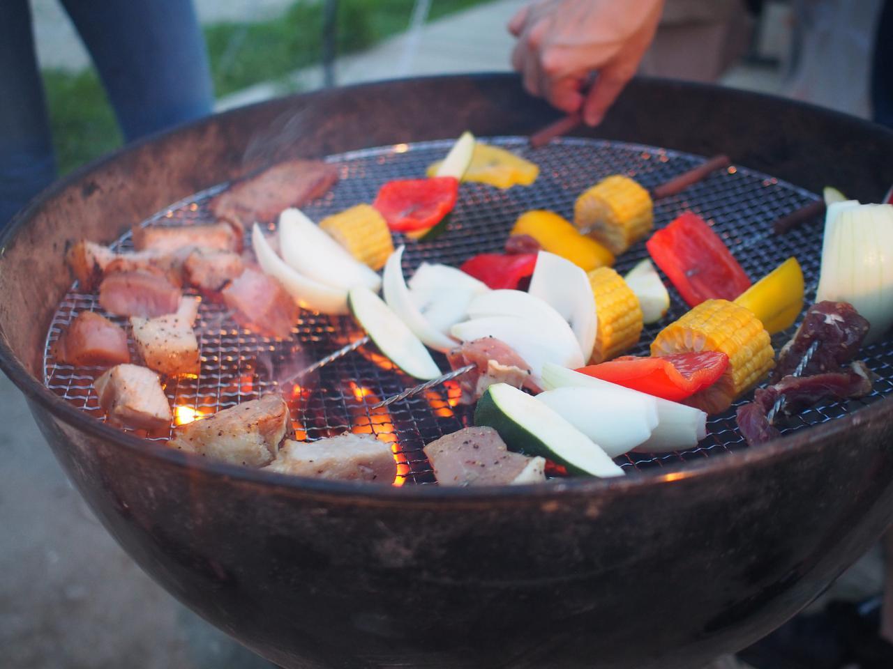 画像: 【バーベキューコンロ&グリルの種類】 キャンプで焚き火をするなら焚き火台型・大人数ならパーティ型