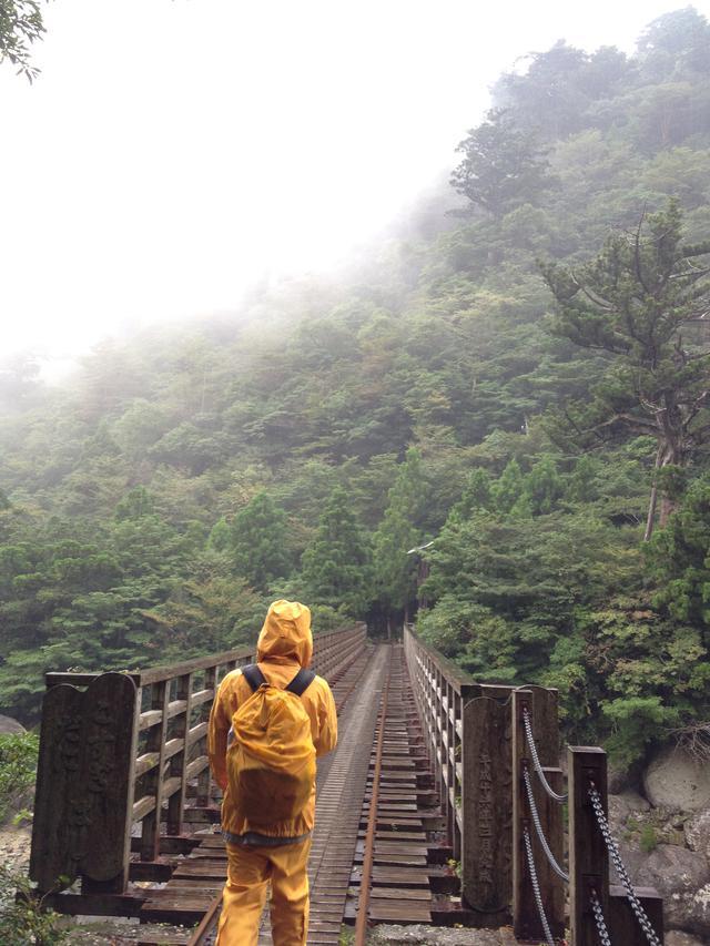 画像2: 【登山初心者必見】高尾山1号路を登る! おすすめの服装とアウトドアブランド紹介