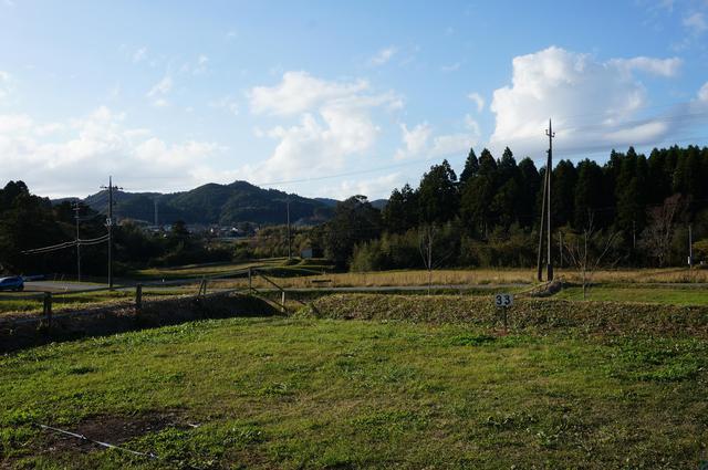 画像: 筆者撮影「すみれサイトからの眺め。緑豊かな草地で自然を満喫できます」