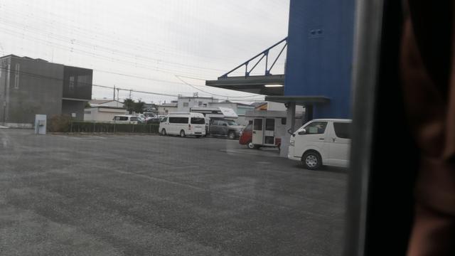 画像: レンタルステーション駐車場にて:次男撮影