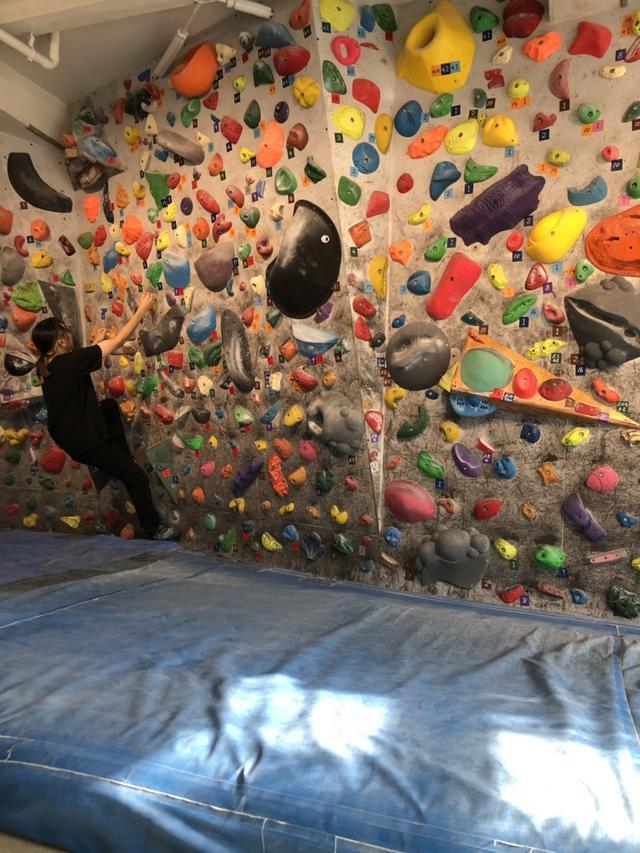 画像: 筆者撮影 ボルダリング初挑戦するドルオタ高杉