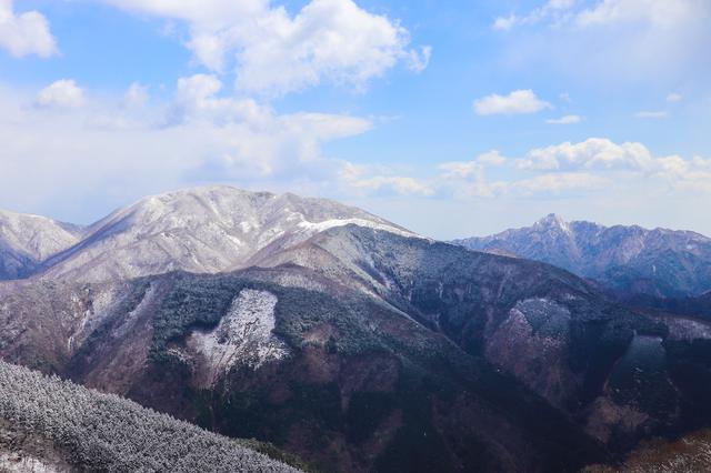 画像: (筆者撮影:鈴鹿の山々を眺める)