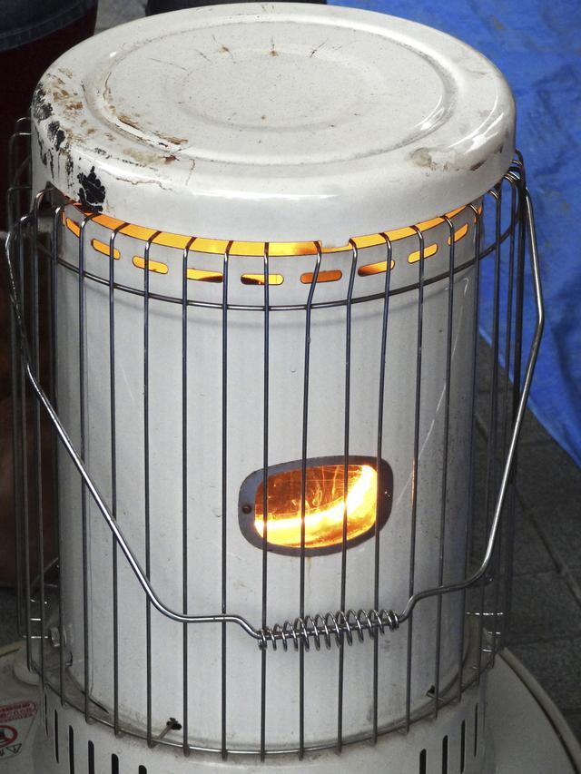 画像: 火おこし不要!手軽に暖がとれてお湯も沸かせる
