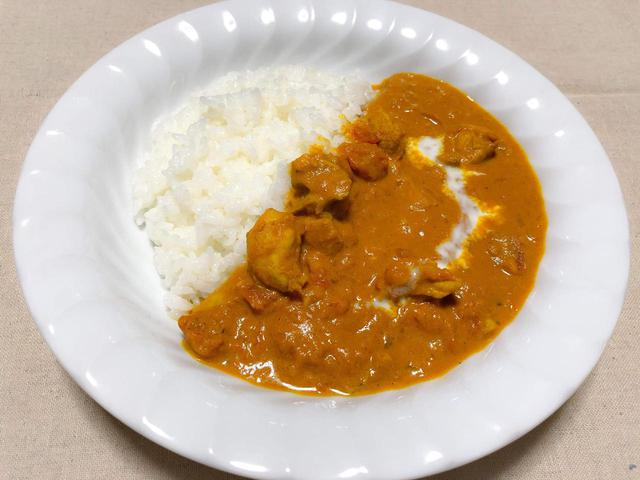 画像: 【簡単レシピ】キャンプ飯は水なしチキンカレーで決まり! 洗い物を減らす方法も伝授 - ハピキャン(HAPPY CAMPER)