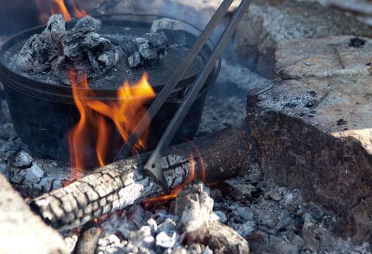 画像: FIRESIDE公式HP より 8,690円(税込) https://www.firesidestove.com/products/accessories/firebird.html