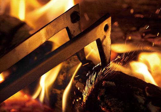 画像: FIRESIDE公式HP より https://www.firesidestove.com/products/accessories/firebird.html