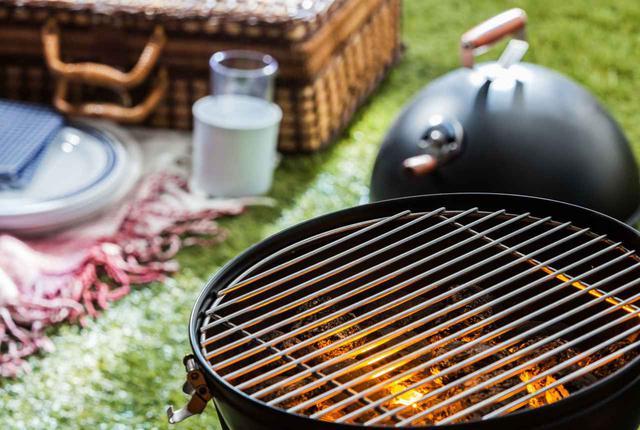 画像: バーベキューの火起こしはこれで完璧! 着火材や炭の正しい選び方&組み上げ方を解説 - ハピキャン(HAPPY CAMPER)