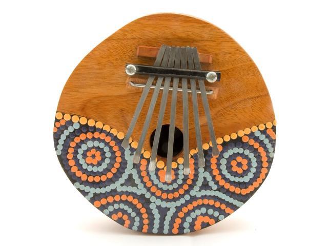 画像: 「カリンバ」とは? サム(親指)ピアノと呼ばれるアフリカの伝統的な楽器