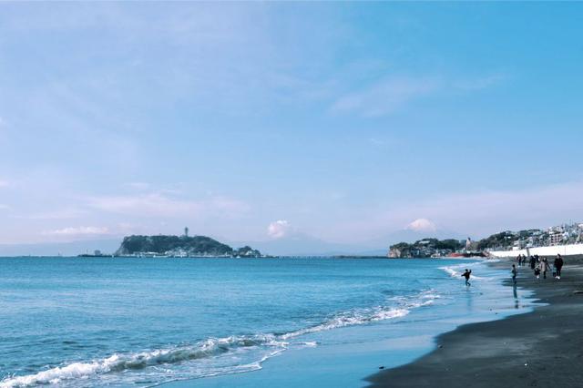 画像: 筆者撮影 七里ガ浜から見た江ノ島