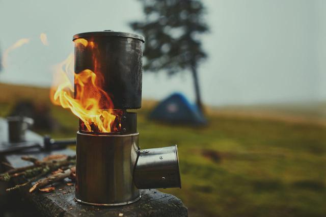 画像: イワタニやトヨトミなど、キャンプ・アウトドアでも使えるストーブおすすめ4選 - ハピキャン(HAPPY CAMPER)