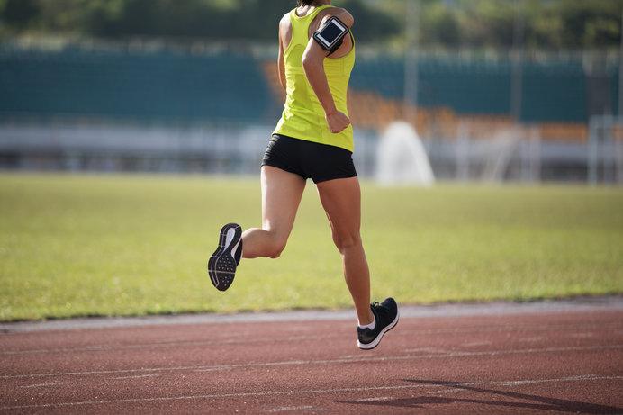 画像: クッション性よりも軽くて走りやすいことを重視して選びましょう